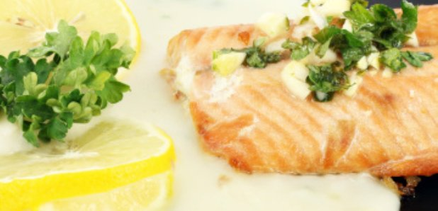 salmon parsley sauce lemon
