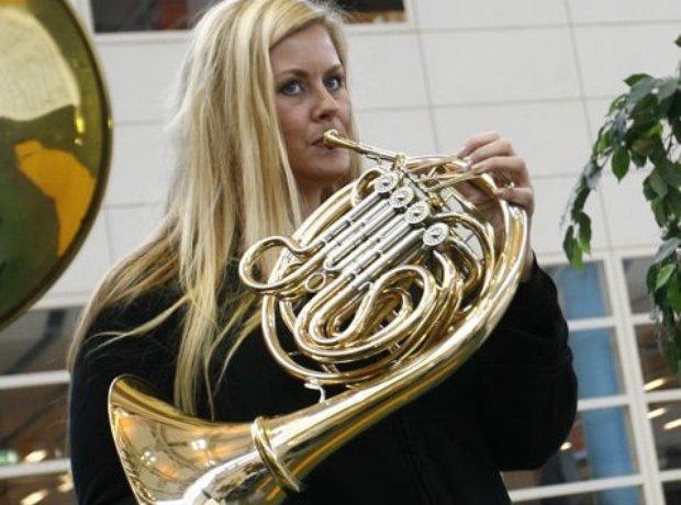 Ragnild Lothe horn player Norwegian Leif Ove Andsnes
