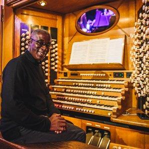 Wayne Marshall on the Royal Albert Hall organ